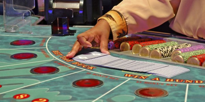 How to play Baccarat: Betting Guide