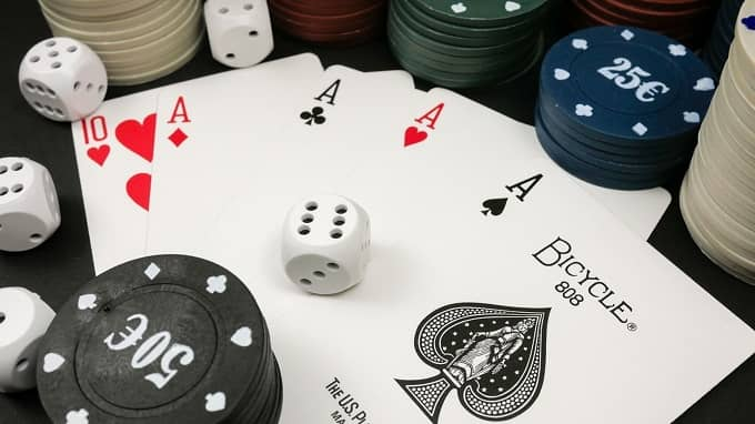 Playing Cards Fun Facts: Did you know that the early decks of cards have no queens?