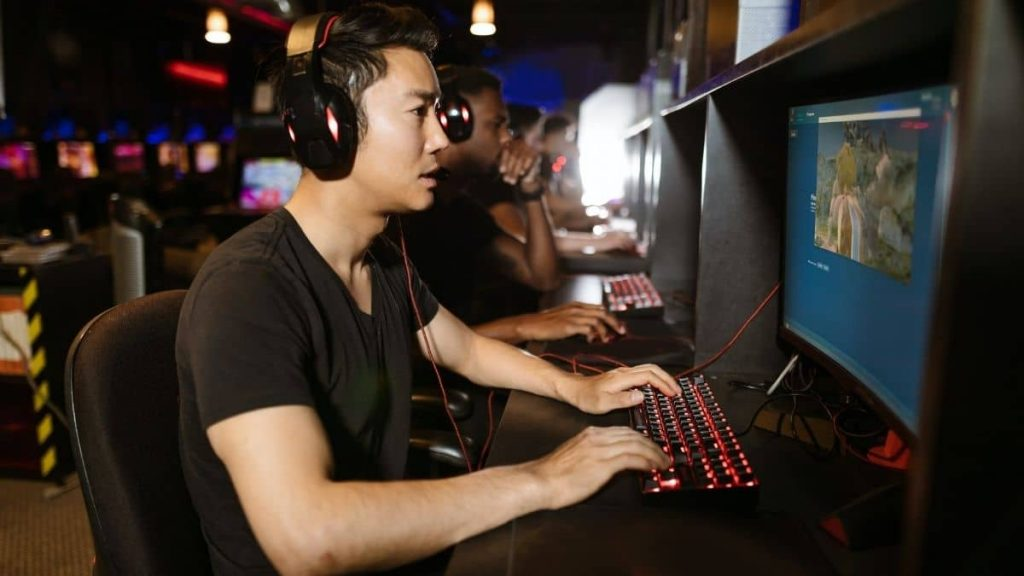 How to get in competitive gaming?